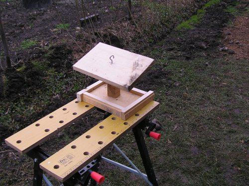 Jednoduché krmítko pre vtáky