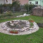 Kamenná špirála pre bylinky aj kvety