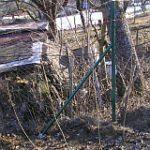 Krajné stĺpy plotov potrebujú vzpery