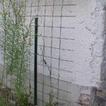 Opory z betonárskej výstuže sú na zeleno